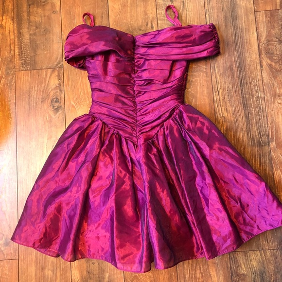 2a7f4b8667 Vintage 80 s prom dress made in the USA. M 5aaeee2a8df470c7058bf3f0